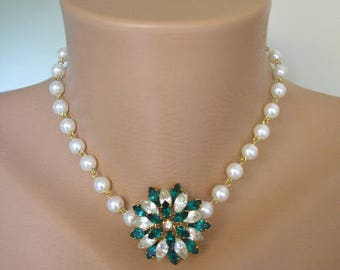Pearl Choker, Emerald Rhinestone, Emerald and Pearl, Upcycled Jewelry, Gift For Woman, Bridal Jewelry, Rockabilly, Green Jewelry, Pearls.