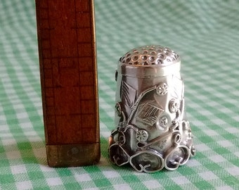 Ornate Vintage Silver Thimble, Leaves and Berries or Flowers Made in Iguala Mexico