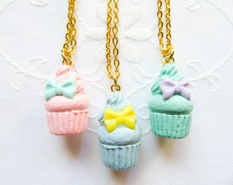 Bow Cupcake Necklace / Pastel / Cupcake / Food Necklace / Cute Necklace / Polymer Clay / Charm Necklace / Sweet Lolita