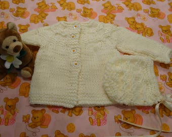 BABY  SWEATER SET, Ivory, 0 to 3 months,4 white daisy buttons,hand knitted, sweater and hat set