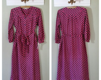 1970s or 1980s Long Sleeved Dress, Day Dress, Print, Size XL, Pink and Black,  #39624