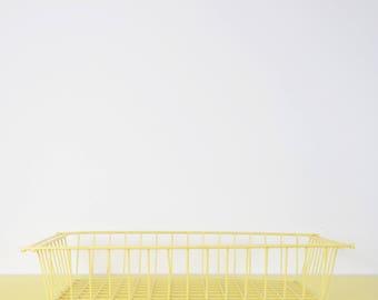 Vintage Wire Basket, Cream Wire Tray Basket, Industrial Metal Basket, Pale Yellow Wire Tray, Retro Lemon Yellow Wire Storage Basket