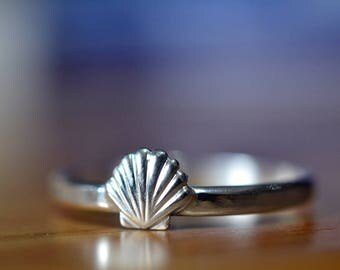 Silver Seashell Ring, Handcrafted Sterling Silver Ring, Dainty Shell Ring, Ocean Seaside Jewelry, Personalised Bridesmaid Beach Lovers Gift