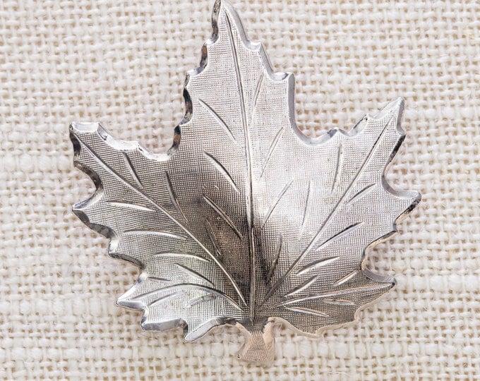 Silver Maple Leaf Brooch Vintage Etched Broach Vtg Pin 7JJ