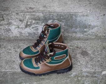 Lovely and rare vintage Vasque Sundowner Skywalk Gore-Tex Hiking Boots- Made in Italy in 1990- Size 8 Women's may fit trans/other genders