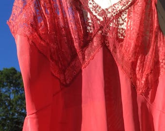 Vintage 1960s Vanity Fair Nylon tricot Coral/pink/salmon lace detail slip