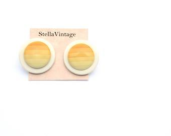 Sunset round yellow vintage/retro stud earrings