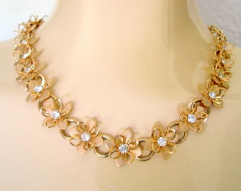 Vintage Rhinestone Floral Textured Gold Tone Necklace / Wedding / Bridal / Three Dimensional / Choker / Retro Jewelry / Jewellery