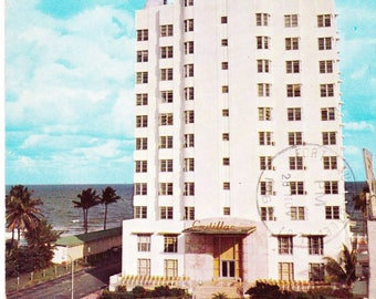 Vintage Post Card 1960s, Cadillac Hotel, 40th Street, Miami Beach, Florida, Postcard, USA, Posted, Beach, Swimming Pool, Paper Ephemera