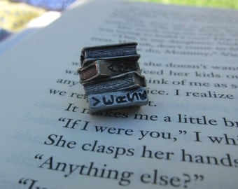 Stack of Books Lapel Pin- CC444- Reading, Literature, and Education Pins for Librarians, Teachers, Literacy and Writing Pins and Gifts
