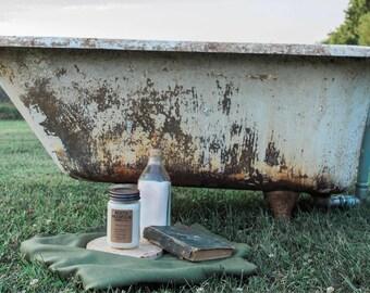 Clawfoot Tub | Handmade Soy Wax Candle | 8 oz. Mason Jar Candle | North Mountain Candle Co.