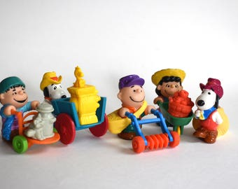 Retro Peanuts Gang Characters, Charlie Brown, Spoopy, McDonalds Toys