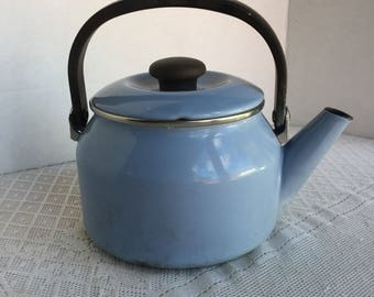Vintage Enamel Tea Kettle / Siam Fuji Ware Kettle Made in Thailand / Light Blue 2 Quart Kettle