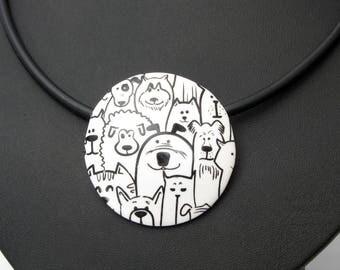 Hunde Halskette aus handgefertigten Polymer Clay,  Fimo, schwarz-weiß