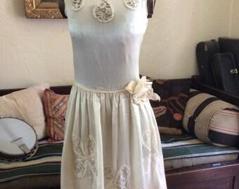 A Flapper Bride 1920's Ivory Silk Beaded lace Wedding Dress S