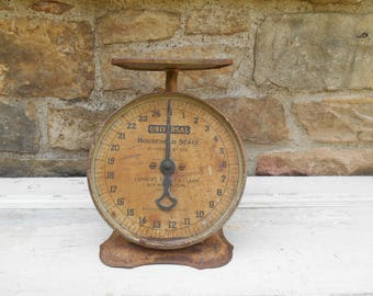 Universal Household Scale Metal Kitchen Decor Landers, Frary, Clark Rustic Beige Working Condition Photo Prop 25 Pound New Britain, Conn