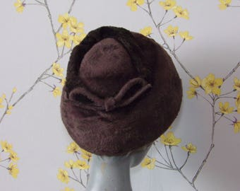 Late 50s Early 1960s Beehive Hat Chocolate Brown Fur Felt Hat Ladies Hat Bow Vintage Stacked Hat Faux Fur Hat