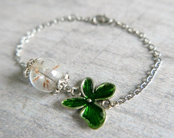 Green flower bracelet and glass ball dandelion seeds