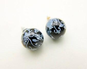 Earrings studs