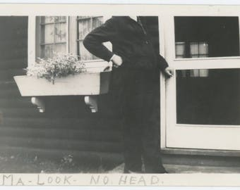 """Ma Look, No Head"""" Vintage Photo Snapshot (77591)"""
