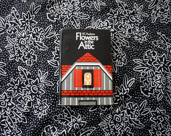Flowers In The Attic By V.C. Andrews. 1979 First Book Club Edition. Very Nice Condition Rare First Editon V.C. Andrews Book