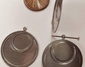 12 Vintage Steel Raised Deco Round 25mm. Silver Stamping Finding Pendants N47