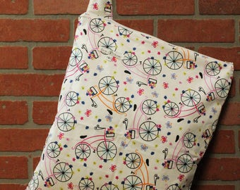 Cloth Diaper Wetbag, Bicycles, Diaper Pail Liner, Diaper Bag, Day Care Size, Holds 12 Diapers, Size Large with Handle #L134