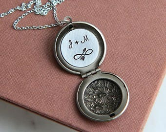 Valentines Gift, Valentine Necklace, Personalized Gift for Her, Locket Necklace, Initial Necklace, Silver Locket Necklace, Monogram Necklace