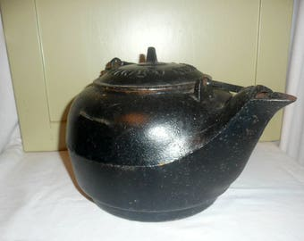 rare at nye and sons cast iron kettle cast iron kitchenware cast iron kettle