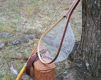 Walnut/Ash 2-Ply medium size landing net with clear rubber netting