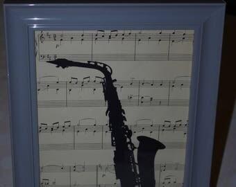 Saxophone frame