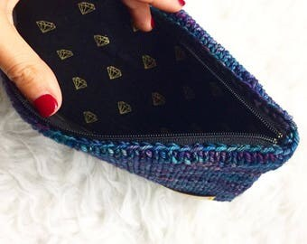 Classy clutch, knitted bag with diamond pattern cotton lining and zipper, handknitted pouch for coins or pens