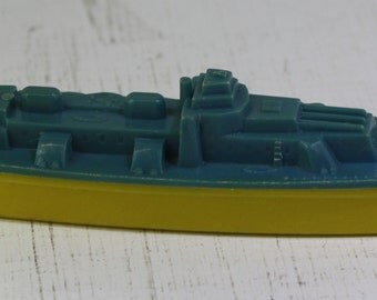 vintage 1950's  Thomas Toy blue and yellow plastic battleship