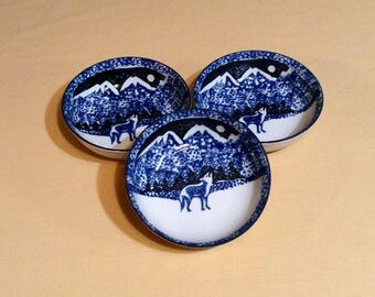 "Set of 3 Blue & White Wolf Cereal Bowls - Spotted Picture, Wolf in Mountains - Folk Craft, by Tienshan - 6 1/2"" diameter"