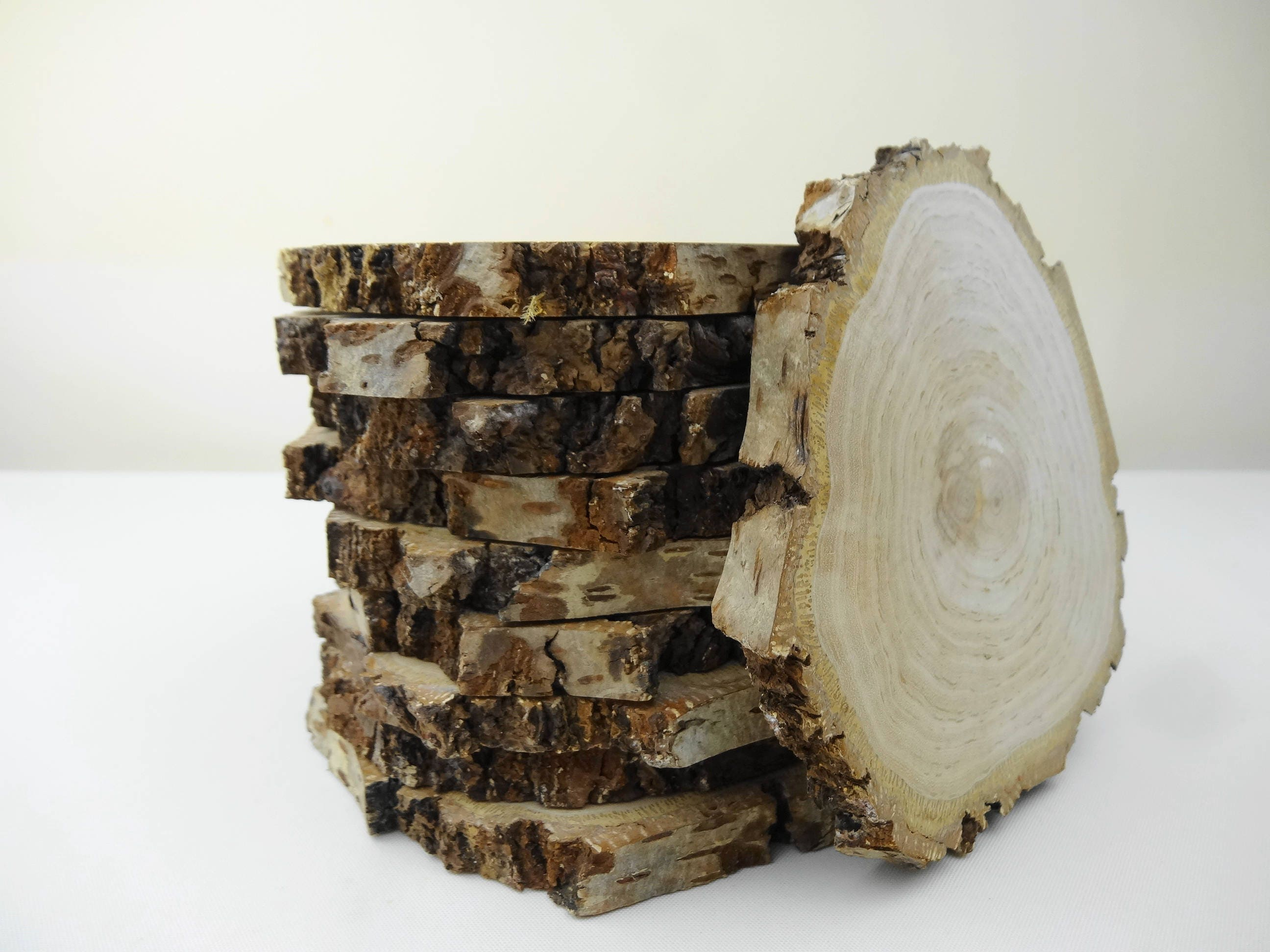 Bark wood tree slabs natural bark wood rounds rustic for Wood trunk slices