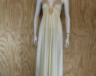 Vintage Lingerie 1970's KAYSER Candlelight Lace Deep V Plunge Empire Sweep Nightgown Night Gown Negligee Medium Large M / L