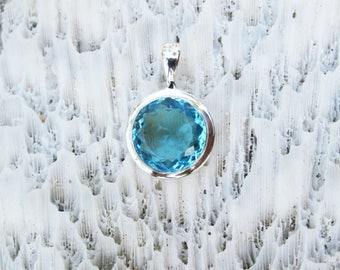 Small Round Swiss Blue Topaz Quartz Bezel Set in Solid Sterling Silver, Semi Precious Gemstone Jewelry BT5