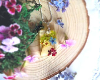 Forest Meadow-flower,moss, stump, Stainless steel chain Nature Resin,Pendant , Real pressed, jewelry, Botanical necklace. Forget-me-not