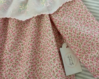 Pretty girls swing top, girls long sleeve blouse, handmade girls top, size 3. Lace trim.