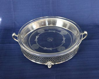 "Etched Pyrex Clear Glass Pie Plate and Metal Carrier/Cradle/Holder ~ 9"" ~ 209 ~ Clear Glass ~ Etched Geometric Design, Ribbon/Bows ~ 1910s"