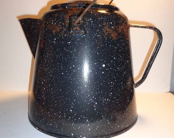Huge Vintage Cowboy Enamelware Coffee Pot Kettle - Graniteware - Rustic - Farmhouse - 1 Gallon - Primitive Decor - Campfire