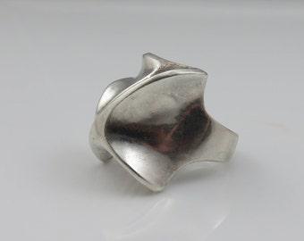 Vintage Sterling Silver Brutalist Modernist Studio Ring.