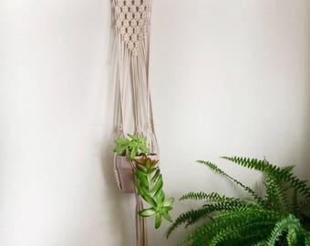 Natural Cotton Macrame Plant Hanger / Macrame Driftwood Wall Hanger