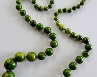 Chunky Green Bakelite Necklace