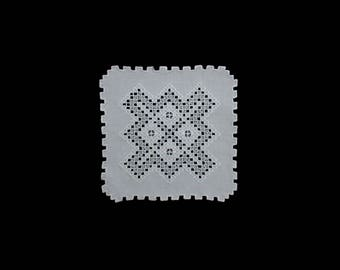 Vintage handmade centerpiece doily -- white square doily with hand embroidered and cutwork hardanger pattern -- 14.5x14.5 inches / 37x37 cm