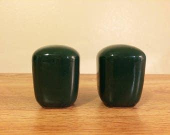 Vintage Franciscan Tiempo Dark Green Salt Pepper Shaker Set Mid-century Earthenware