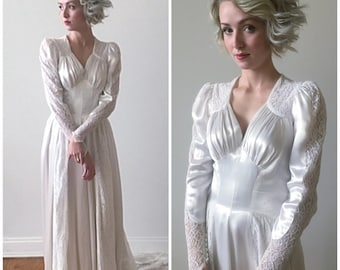 Vintage 1930s - 40s Long Sleeved Satin and Lace Wedding Gown with Sweetheart Neckline