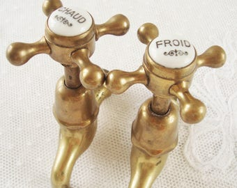 A pair of vintage French brass Faucets, French bathroom taps, French country bathroom, Salle de bains, Plumbing supplies, Kitchen, Cloakroom