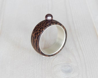 Silver wood ring, natural pearls.