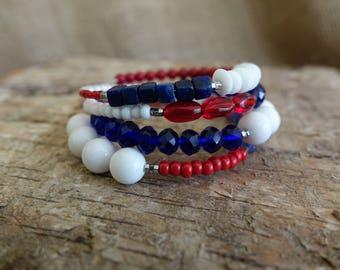 Red White and Blue Bracelet, 4th of July Bracelet, Patriotic Bracelet, Wrap Bracelet, Coil Bracelet, Beaded Bracelet, Memory Wire Bracelet
